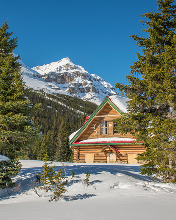 Num-Ti-Jah Lodge is located in a very picturesque location at Bow Lake